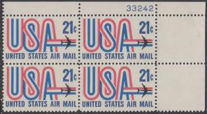 USA Michel 1036 / Scott C081 postfrisch Luftpost-PLATEBLOCK ECKRAND oben rechts m/ Platten-# 33242 - Schriftbild USA, Düsenverkehrsflugzeug