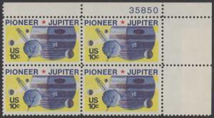 USA Michel 1164 / Scott 1556 postfrisch PLATEBLOCK ECKRAND oben rechts m/ Platten-# 35850 - Pioneer-Programm zur Erforschung des Planeten Jupiter; Raumsonde Pioneer, Planet Jupiter mit Monden