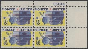 USA Michel 1164 / Scott 1556 postfrisch PLATEBLOCK ECKRAND oben rechts m/ Platten-# 35849 - Pioneer-Programm zur Erforschung des Planeten Jupiter; Raumsonde Pioneer, Planet Jupiter mit Monden