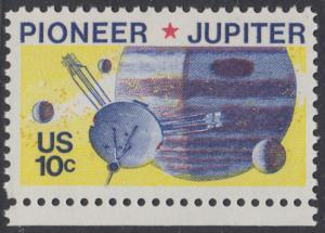 USA Michel 1164 / Scott 1556 postfrisch EINZELMARKE RAND unten - Pioneer-Programm zur Erforschung des Planeten Jupiter; Raumsonde Pioneer, Planet Jupiter mit Monden