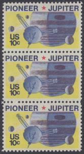 USA Michel 1164 / Scott 1556 postfrisch vert.STRIP(3) - Pioneer-Programm zur Erforschung des Planeten Jupiter; Raumsonde Pioneer, Planet Jupiter mit Monden
