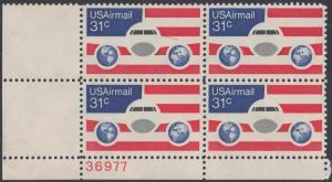 USA Michel 1201 / Scott C090 postfrisch Luftpost-PLATEBLOCK ECKRAND unten links m/ Platten-# 36977 - Flugzeug mit Erdhalbkugeln