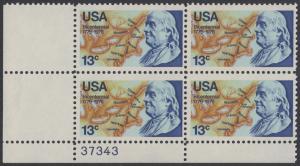 USA Michel 1277 / Scott 1690 postfrisch PLATEBLOCK ECKRAND unten links m/ Platten-# 37343 - Unabhängigkeit der Vereinigten Staaten von Amerika: Benjamin Franklin (1706-1790), 1. Generalpostmeister für Kanada und die USA, Politiker; Landkarte von Nordam...