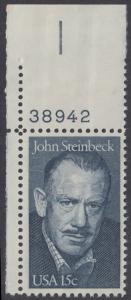 USA Michel 1374 / Scott 1773 postfrisch EINZELMARKE ECKRAND oben links m/ Platten-# 38942 - John Steinbeck (1902-1968), Romanschriftsteller