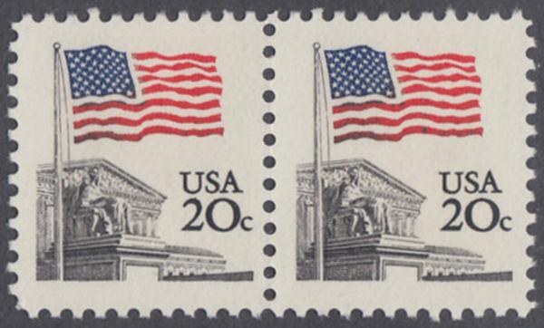 USA Michel 1522 / Scott 1894 postfrisch horiz.PAAR - Flagge, Gebäude des obersten Bundesgerichts 0