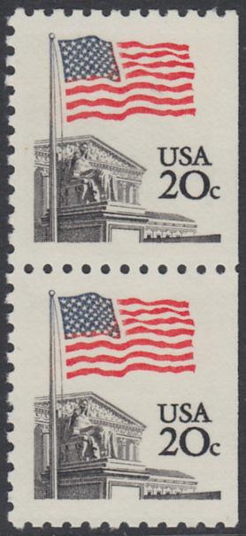 USA Michel 1522D / Scott 1896 postfrisch vert.PAAR (rechts ungezähnt) - Flagge, Gebäude des obersten Bundesgerichts 0