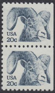 USA Michel 1523 / Scott 1949 postfrisch vert.PAAR (rechts ungezähnt) - Tiere: Dickhornschaf