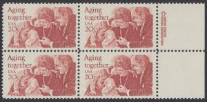USA Michel 1591 / Scott 2011 postfrisch BLOCK RÄNDER rechts m/ copyright symbol - Gemeinsames Altern: Großeltern und Enkel