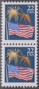 USA Michel 1882A / Scott 2276 postfrisch vert.PAAR RAND - Flagge und Feuerwerk