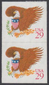 USA Michel 2319 / Scott 2597 postfrisch vert.PAAR (a1) - Wappenadler; Adler mit Wappenschild (Cent in rot)