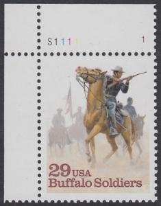 """USA Michel 2439 / Scott 2818 postfrisch EINZELMARKE ECKRAND oben links m/ Platten-# S1111-1 - Schwarzamerikanische Truppen """"Buffalo Soldiers""""; Kavallerie-Patrouille"""