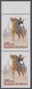 "USA Michel 2439 / Scott 2818 postfrisch vert.PAAR RAND oben - Schwarzamerikanische Truppen ""Buffalo Soldiers""; Kavallerie-Patrouille"