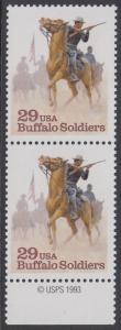 "USA Michel 2439 / Scott 2818 postfrisch vert.PAAR RAND unten m/ copyright symbol - Schwarzamerikanische Truppen ""Buffalo Soldiers""; Kavallerie-Patrouille"