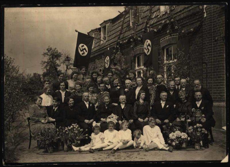 Unbestimmtes Foto während der NS-Zeit Familienjubiläum