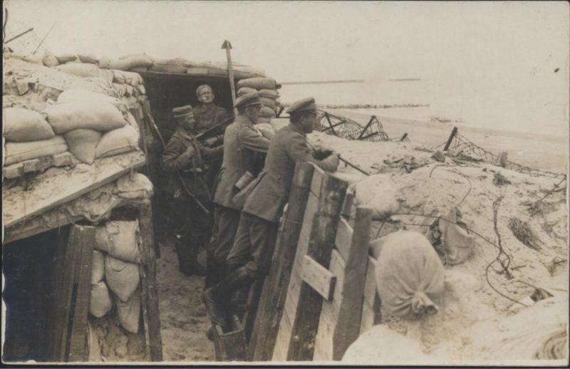 Militaria Militär Foto Ansichtskarte Schützengraben Weltkrieg ungelaufen