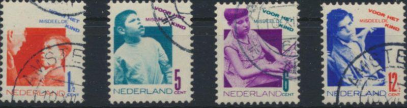 Niederlande 245-248 A gestempelt - Voor het Kind 1931