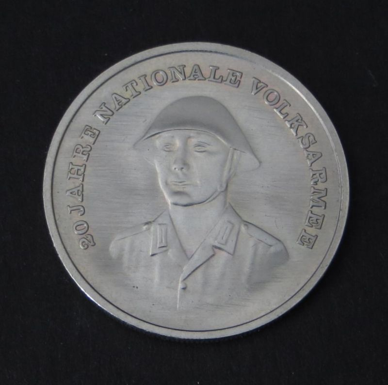 DDR Gedenkmünze 10 Mark 20 Jahre Nationale Volksarmee NVA 1976 vorzüglich vz