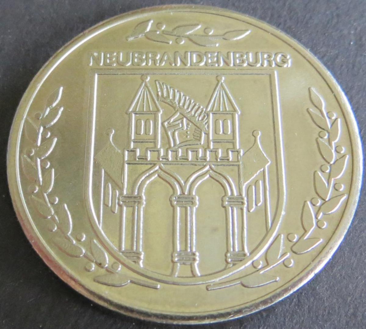 Medaille DDR o.J. Neubrandenburg Friedländer Tor 23g stgl