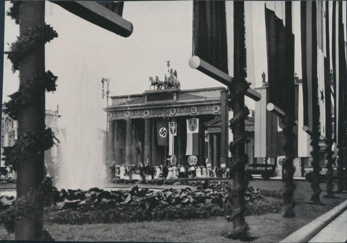 Deutsches Reich Sammelbild Brandenburger Tor 3.Reich Olympia Band II Bild Nr.2