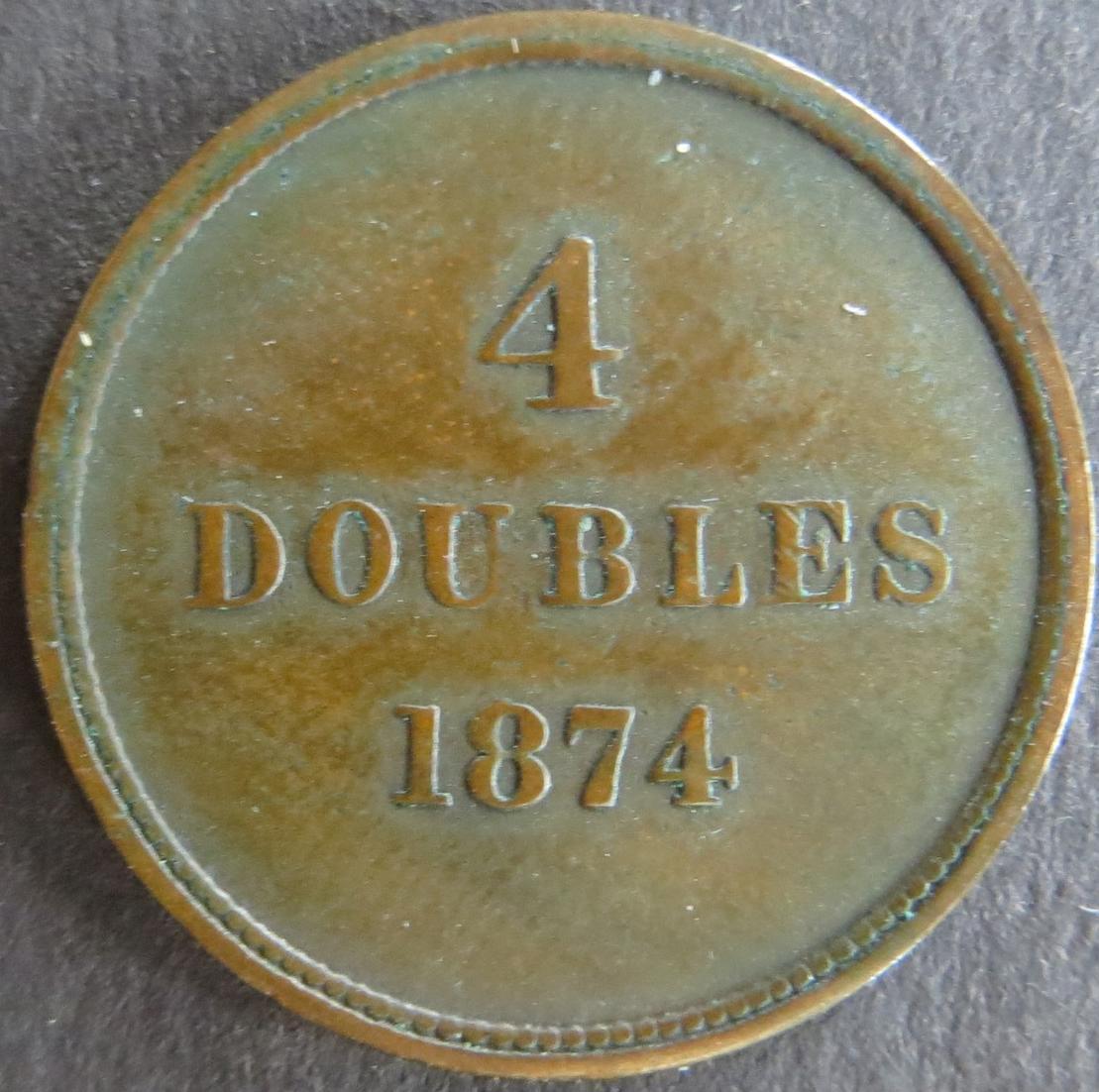 Münze Großbritannien - Guernsey 1874 - 4 Doubles Inselwappen Bronze ss