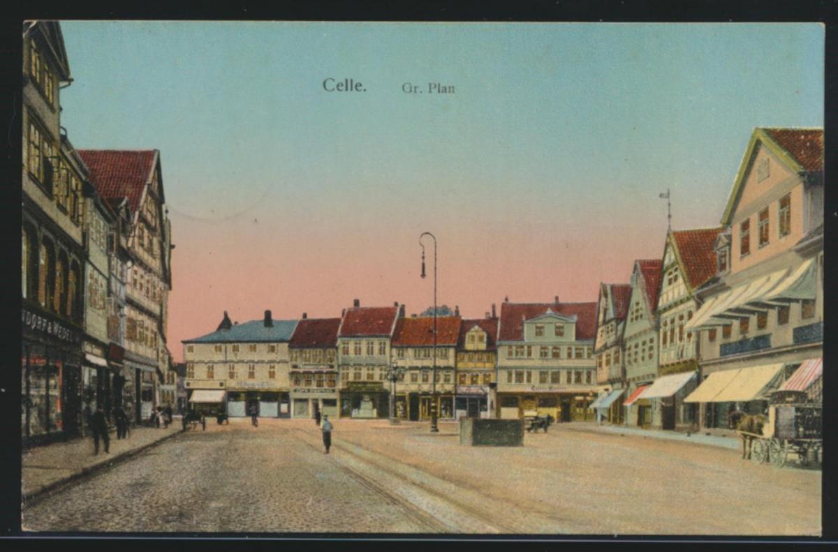 Ansichtskarte Celle Fr. Plan leuchtende Fenster Passanten