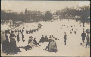 Ansichtskarte Winter Wintersport Schnee Rodeln um 1900 ungelaufen