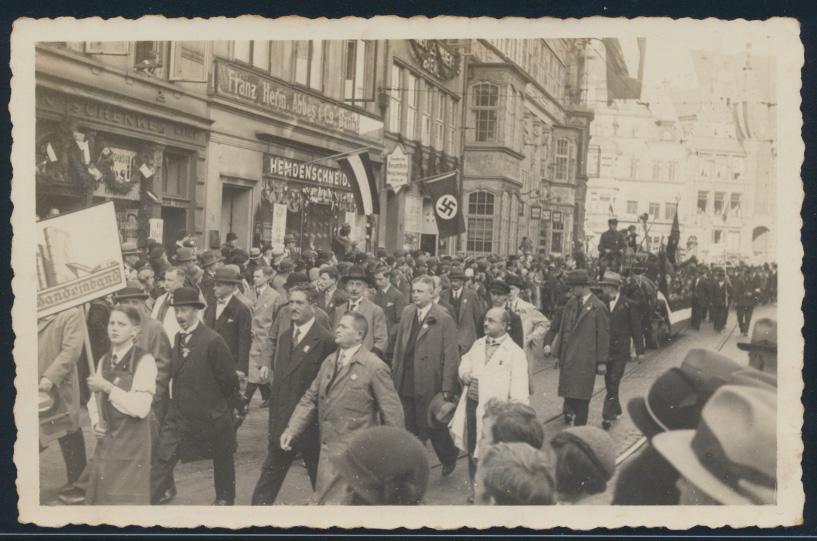 Foto Bremen Aufmarsch 3. Reich Hakenkreuzfahne Deutschen Beamten Versicherung 0