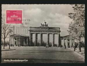 DDR 665 auf Ansichtskarte als Maximumkarte mit SST Berlin Brandenburger Tor 1958