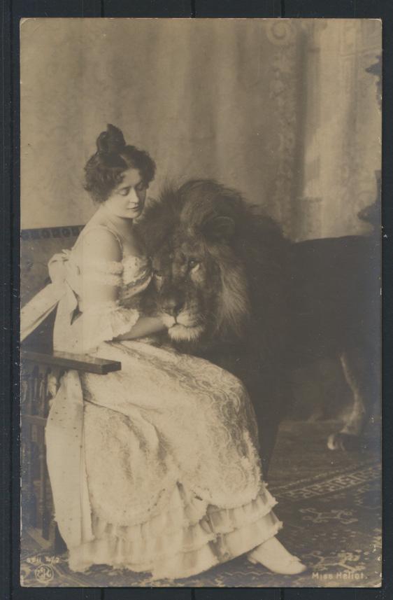 Foto Ansichtskarte Löwen Frau Miss Heliot Tiere Raubtiere Zoo um 1900 0