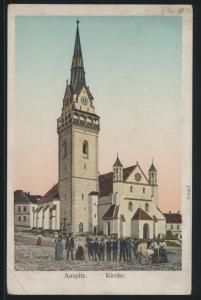 Ansichtskarte Auspitz Hustopeče Kirche Passanten Gläubige leuchtende Fenster