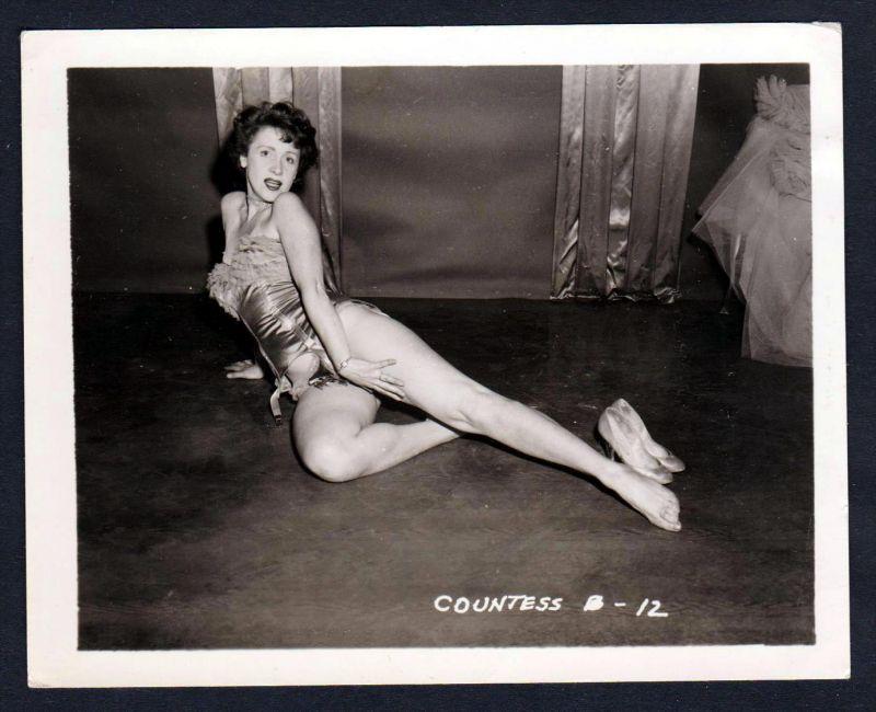 Unterwäsche sexy lingerie Erotik nude vintage Dessous pin up Foto photo