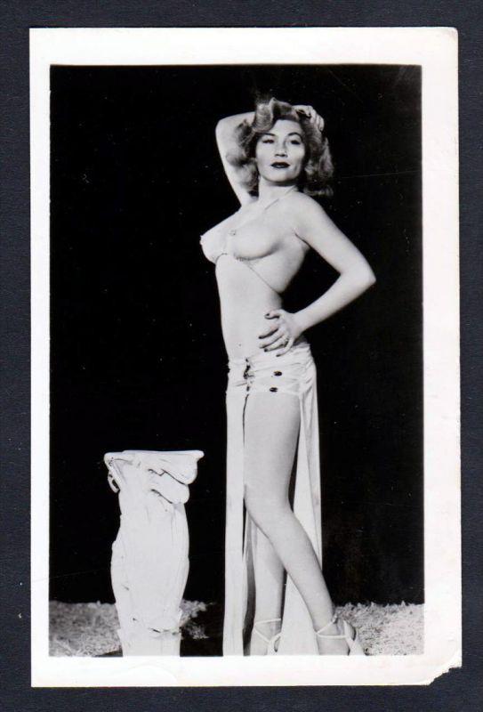 Unterwäsche lingerie Erotik nude vintage Busen Dessous pin up Foto photo