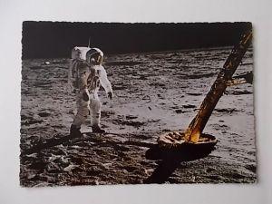 Astronaut  Edwin Aldrin auf dem Mond neben der Landefähre
