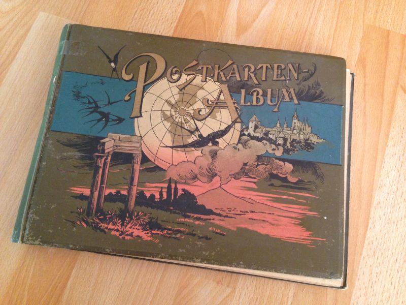 altes Ansichtkartenalbum mit vielen Karten