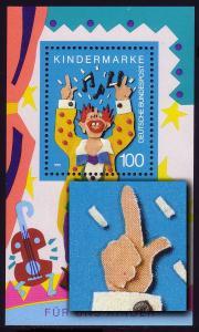 Block 27I Für uns Kinder 1993 mit MICHEL-PLF I roter Fleck auf der Hand, **