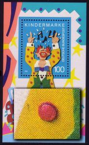 Block 27 Für uns Kinder 1993 mit PLF Strich neben untern linken roten Knopf, **