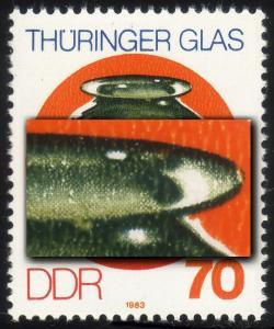 2838I Thüringer Glas 70 Pf: Kerbe rechts im vorderen Glasrand oben, Feld 20 **