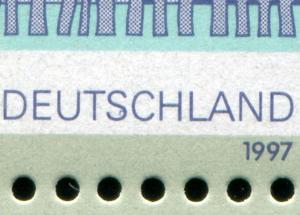 Block 38 SDW mit PLF Strich im S von DEUTSCHLAND beim 200-Pf-Wert, **