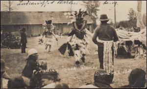 Foto-AK Britisch Kolumbien Indianischer Masken-Tanz, HAGAN 4.11.1910 nach Aachen