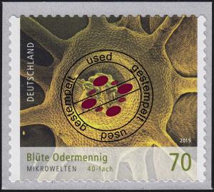 3206 Mikrowelten -  Blüte Odermennig, selbstklebend O