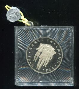 DDR Gedenkmünze Ernst Thälmann, 1986, Spiegelglanz PP in verplombter Kapsel
