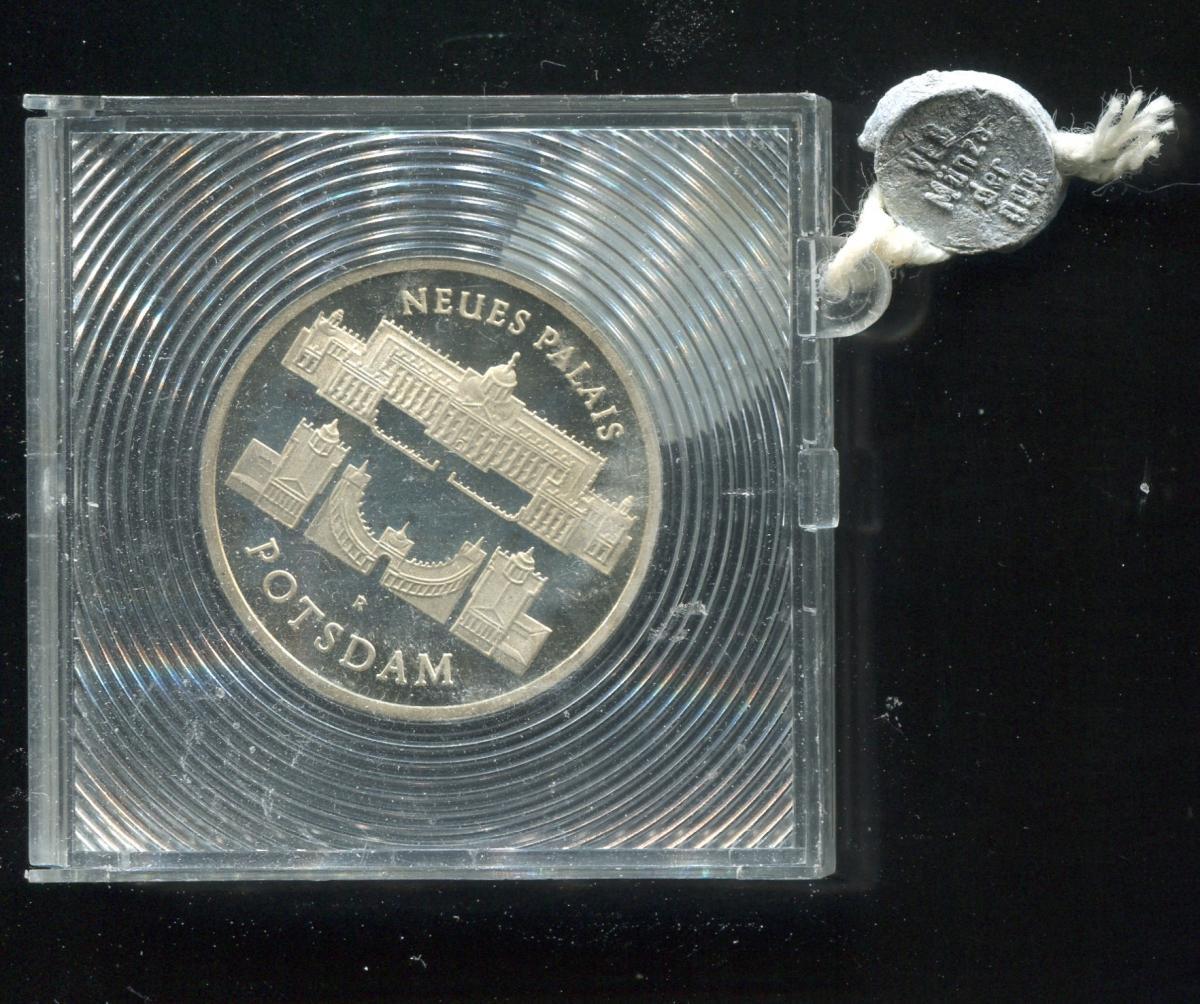 DDR Gedenkmünze Neues Palais Potsdam 1986, Spiegelglanz PP in verplombter Kapsel 0