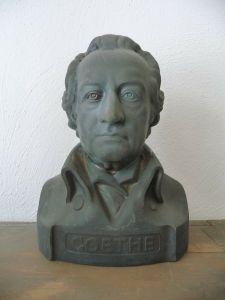 Büste Goethe aus grauem Kunststein