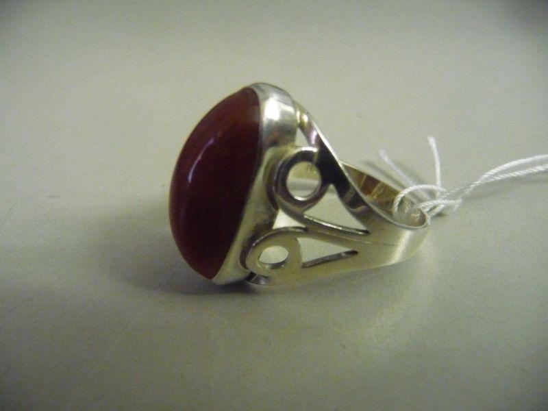 Silberring mit rotem Stein / Silber 835