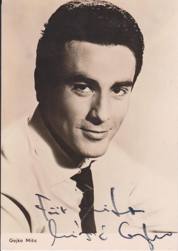 Autogrammkarte Gojko Mitic / Schauspieler DDR Foto handsigniert 1966