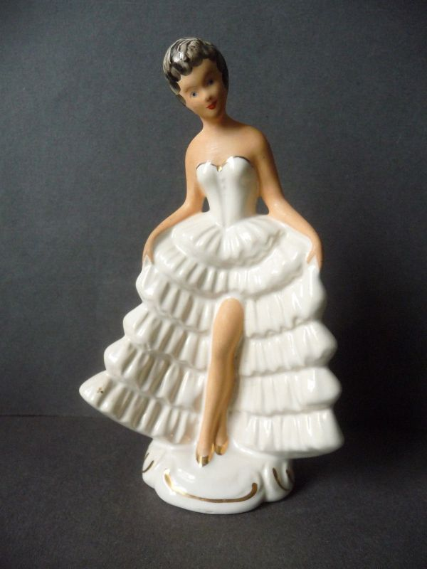 Porzellanfigur Tänzerin Dame im weißen Kleid