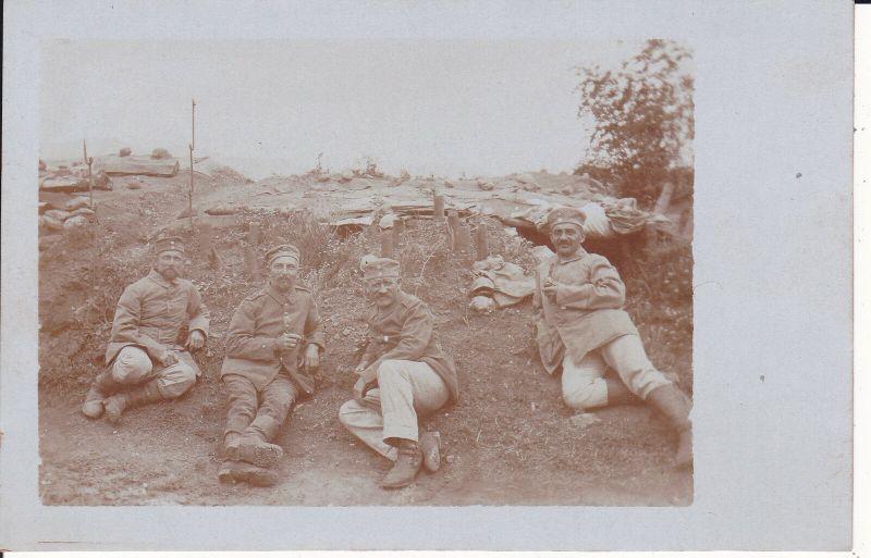 Orig. Foto Vier Soldaten im Felde Front Einsatz Erster Weltkrieg