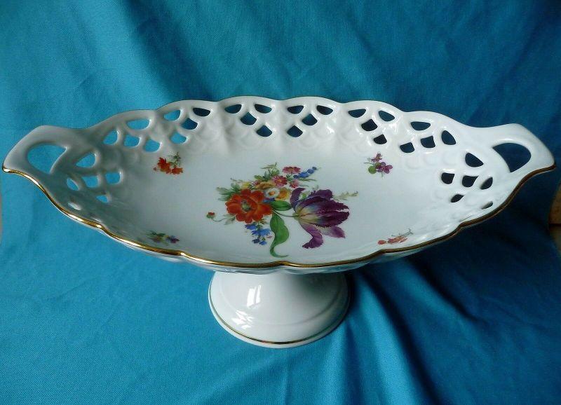 Prächtiger Tafelaufsatz Durchbrucharbeit Blumendekor / Bareuther Porzellan