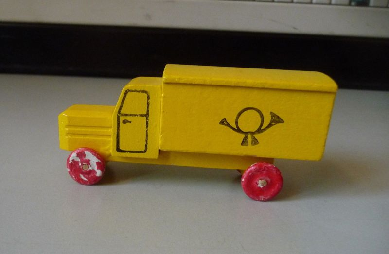 Spielzeugauto Post-Fahrzeug Lastauto / Holzspielzeug Erzgebirge