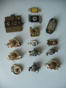 14 Bauteile Ersatzteile Kondensatoren für Uralt-Radios Bastlerware